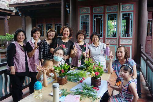 105年05月 林園母親節親子花籃製作